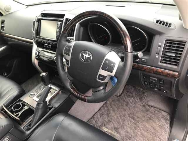 Import and buy TOYOTA LAND CRUISER 2014 from Japan to Nairobi, Kenya