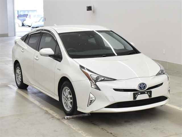 Import and buy TOYOTA PRIUS 2016 from Japan to Nairobi, Kenya