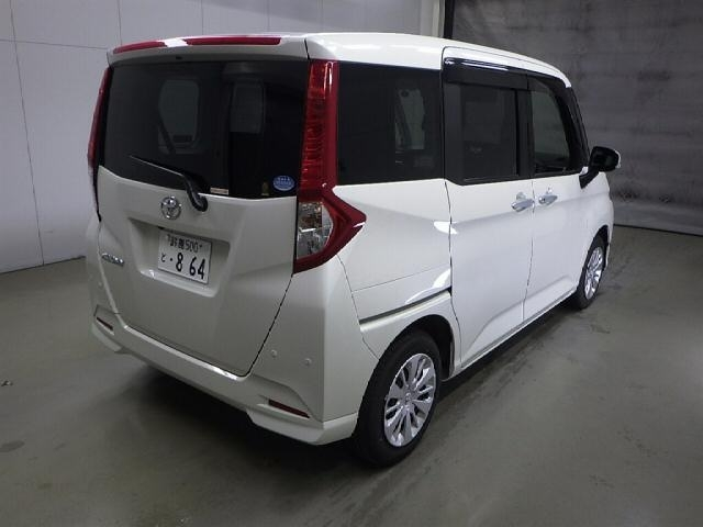 Import and buy TOYOTA ROOMY 2020 from Japan to Nairobi, Kenya