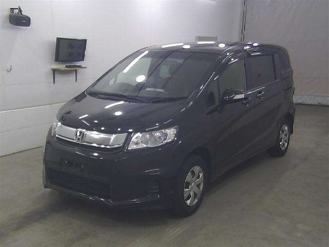 Import and buy HONDA FREED SPIKE 2016 from Japan to Nairobi, Kenya