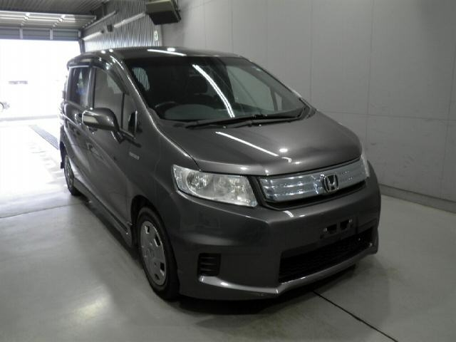 Import and buy HONDA FREED SPIKE 2013 from Japan to Nairobi, Kenya