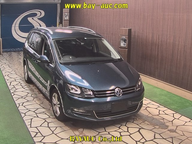 Import and buy VOLKSWAGEN SHARAN 2017 from Japan to Nairobi, Kenya