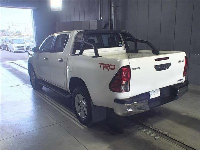 Import and buy TOYOTA HILUX 2018 from Japan to Nairobi, Kenya