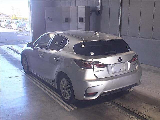 Import and buy LEXUS CT 2014 from Japan to Nairobi, Kenya