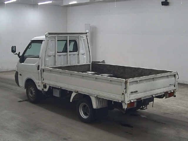 Import and buy MAZDA BONGO 2013 from Japan to Nairobi, Kenya