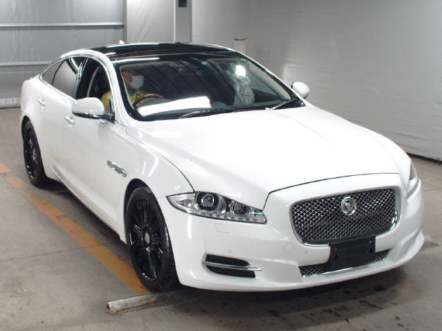 Import and buy JAGUAR XJ SERIES 2013 from Japan to Nairobi, Kenya