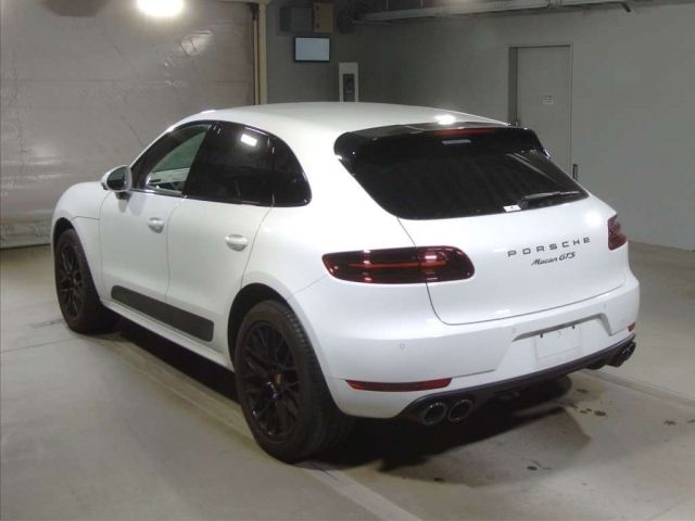 Import and buy PORSCHE MACAN 2018 from Japan to Nairobi, Kenya