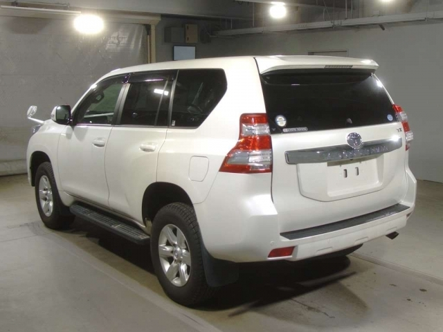 Import and buy TOYOTA LAND CRUISER PRADO 2014 from Japan to Nairobi, Kenya