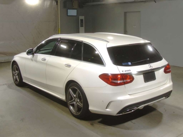 Import and buy MERCEDES BENZ C CLASS WAGON 2015 from Japan to Nairobi, Kenya