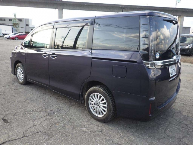 Import and buy TOYOTA VOXY 2014 from Japan to Nairobi, Kenya