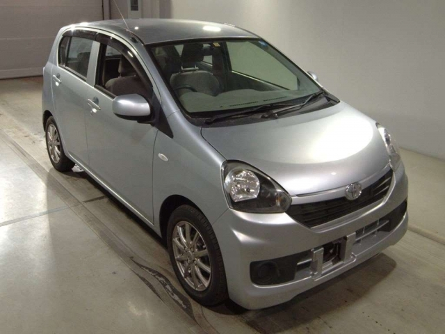 Import and buy TOYOTA PIXIS EPOCH 2015 from Japan to Nairobi, Kenya
