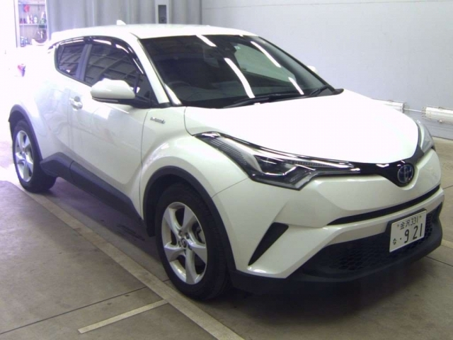 Import and buy TOYOTA C-HR 2019 from Japan to Nairobi, Kenya