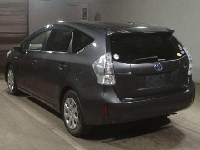 Import and buy TOYOTA PRIUS ALPHA 2013 from Japan to Nairobi, Kenya