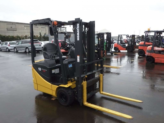Import and buy KOMATSU FORKLIFT 2014 from Japan to Nairobi, Kenya