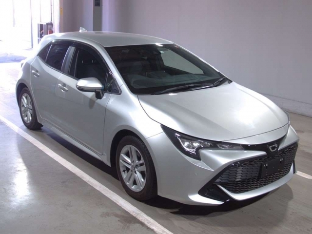 Import and buy TOYOTA COROLLA SPORT 2018 from Japan to Nairobi, Kenya