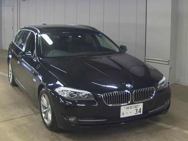 Import and buy BMW OTHER 2013 from Japan to Nairobi, Kenya