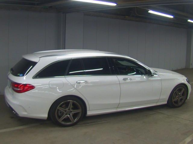 Import and buy MERCEDES BENZ C CLASS WAGON 2017 from Japan to Nairobi, Kenya