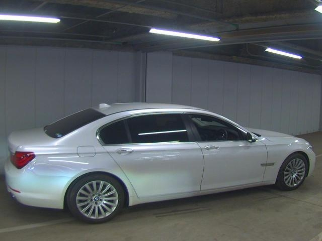 Import and buy BMW 7 SERIES 2013 from Japan to Nairobi, Kenya