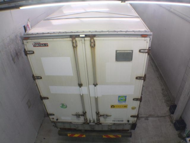 Import and buy HINO TRUCK 2013 from Japan to Nairobi, Kenya