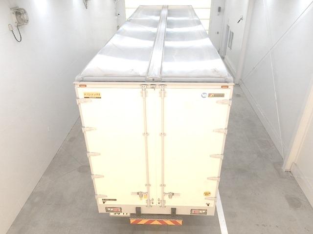 Import and buy HINO TRUCK 2019 from Japan to Nairobi, Kenya
