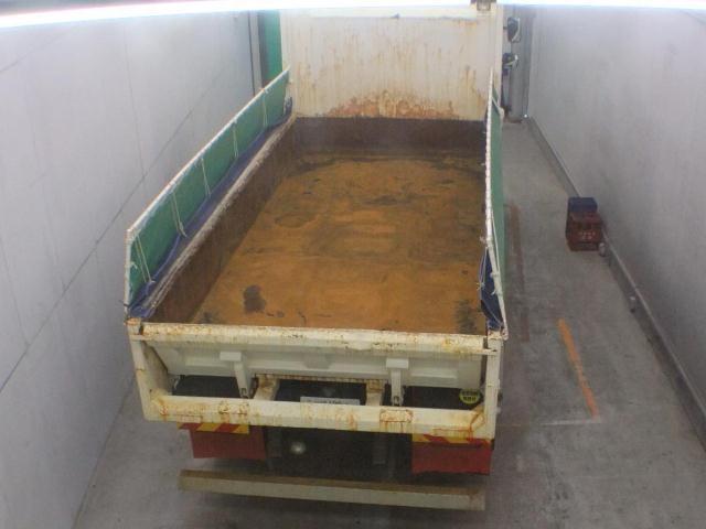 Import and buy HINO TRUCK 2014 from Japan to Nairobi, Kenya