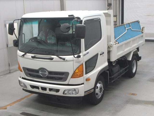 Import and buy HINO RANGER 2016 from Japan to Nairobi, Kenya