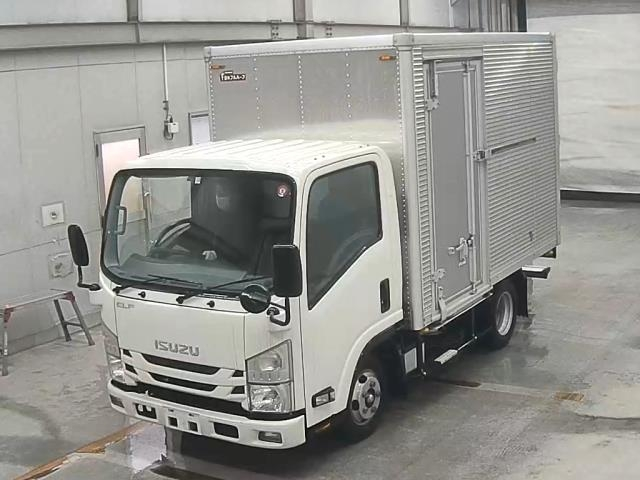 Import and buy ISUZU ELF 2017 from Japan to Nairobi, Kenya