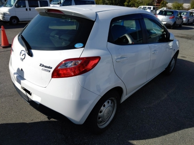 Import and buy MAZDA DEMIO 2014 from Japan to Nairobi, Kenya