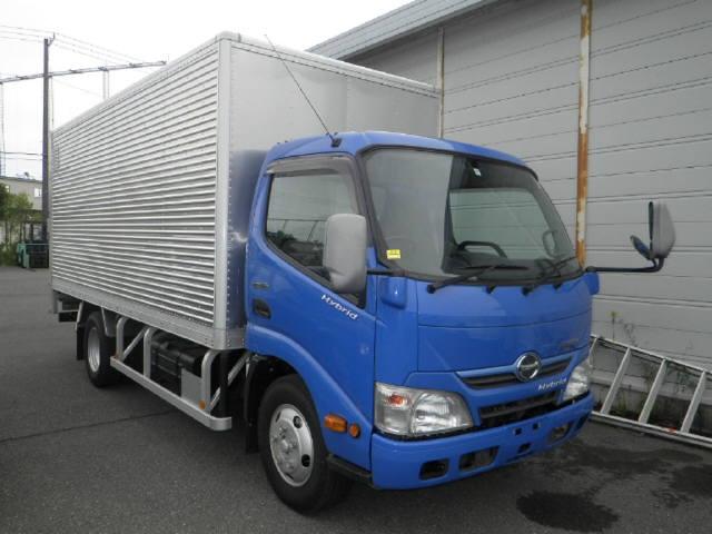 Import and buy HINO DUTORO 2013 from Japan to Nairobi, Kenya