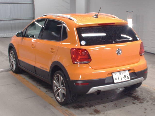 Import and buy VOLKSWAGEN CROSS POLO 2014 from Japan to Nairobi, Kenya
