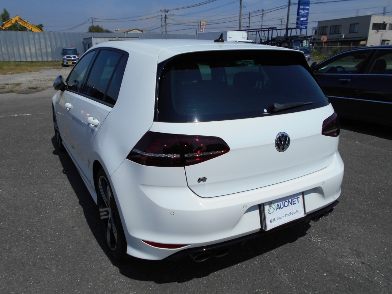 Import and buy VOLKSWAGEN GOLF R 2014 from Japan to Nairobi, Kenya