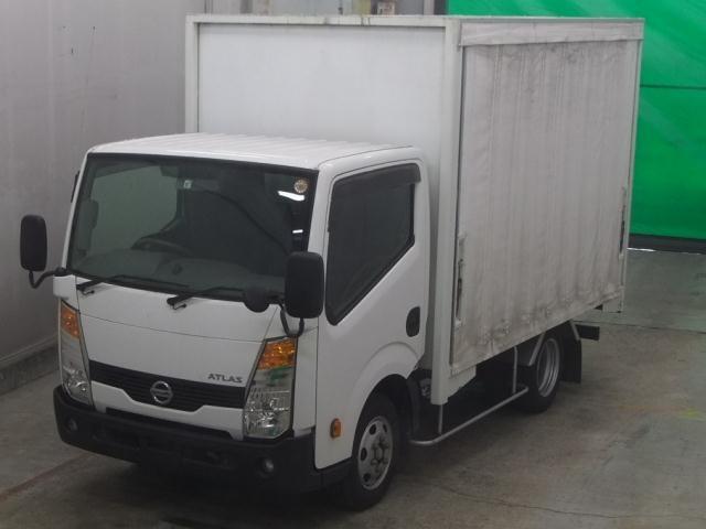 Import and buy NISSAN ATLAS 2013 from Japan to Nairobi, Kenya