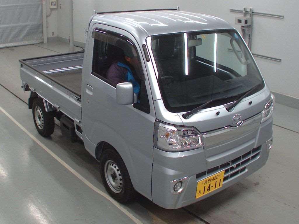 Buy/import DAIHATSU HIJET TRUCK (2018) to Kenya from Japan auction